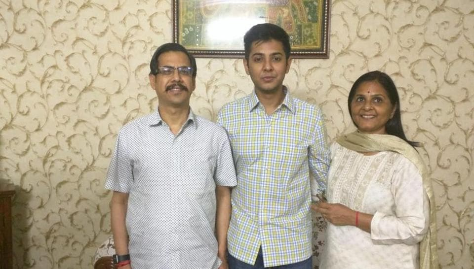 Akshat Jain, who got the second rank in UPSC CSE exam, with his father DC Jain and mother Simmi Jain.