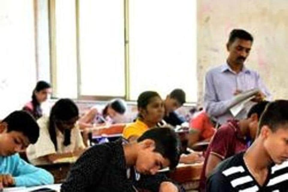 Sawan Raj Bharti of Simultala Awasiya Vidyalaya (SAV) in Jamui topped the Bihar School examination Board (BSEB) Class 10th (matric) Examination 2019.