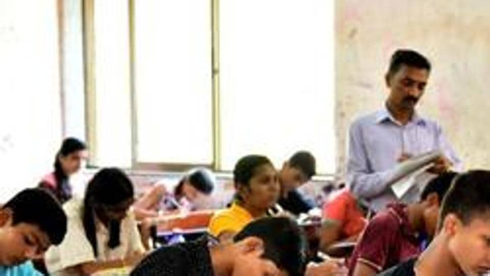 Students who are anxiously waiting for the result will know their marks soon when BSEB chairman Anand Kishor and additional chief secretary of Bihar Education Department RK Mahajan will Jointly declare the BSEB Class 10 results.