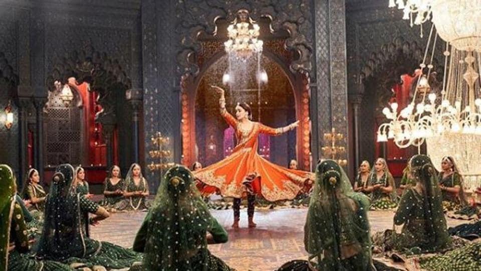 Kalank Song Tabaah Ho Gaye: The Magic Of Madhuri Dixit, Finally
