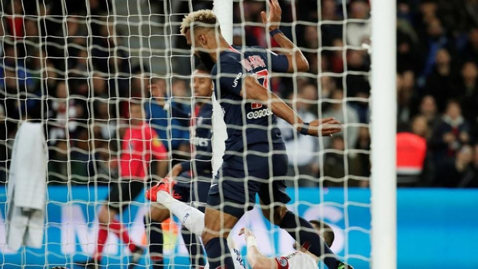 Choupo-Moting of PSG involved in what could be called 'worst miss of all time' | football