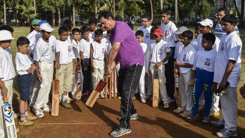 Children participate during Cricket workshop with Dilip Vengsarkar on the occasions of Hindustan Times NO TV DAY at Oval Maidan in Mumbai, India, on Saturday, May 28, 2016. (Photo by Kunal Patil/ Hindustan Times)