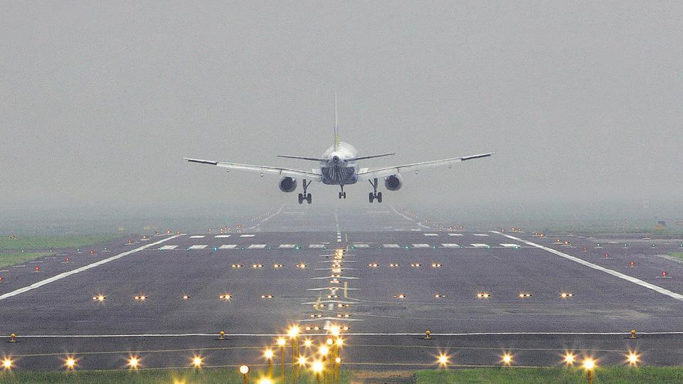 Pak airspace,Pak airspace shut down,Mumbai airport