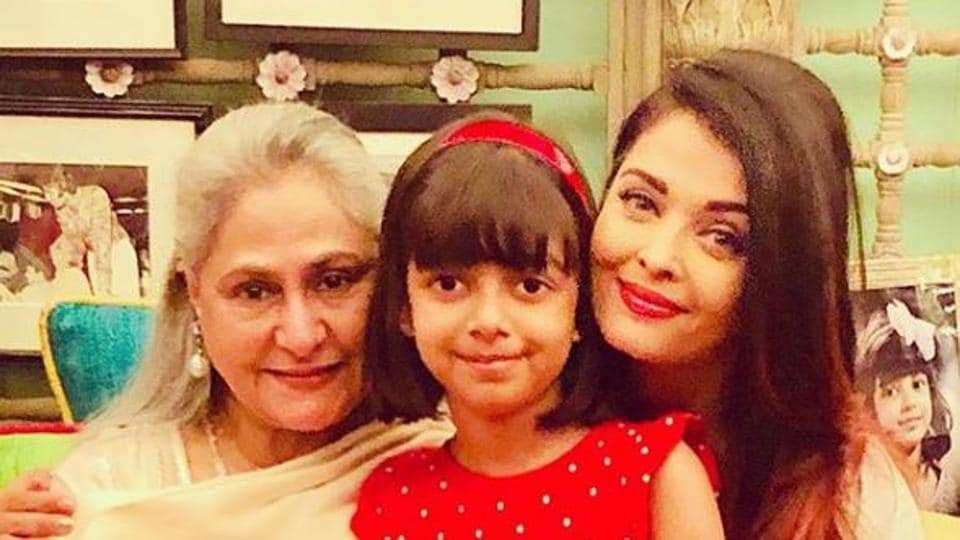 Aishwarya Rai with Jaya Bachchan and Aaradhya.