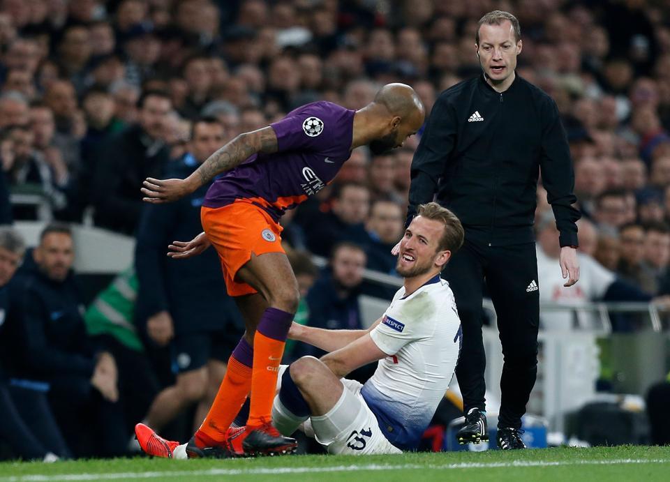 Tottenham wait nervously for Harry Kane update after ankle knock | football