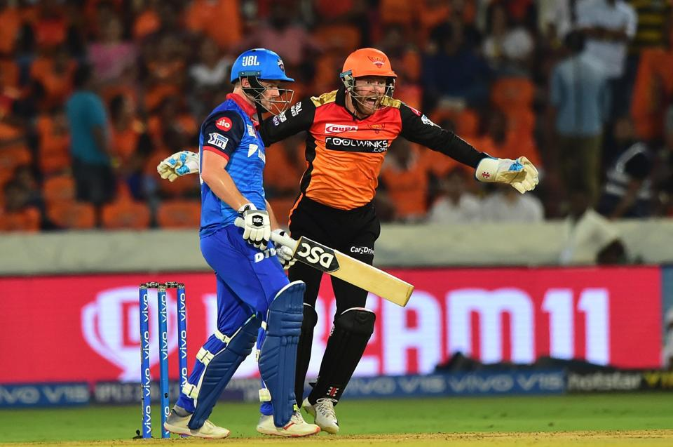 Hyderabad: Sunrisers Hyderabad (SH) wicketkeeper Jonny Bairstow celebrates after taking the catch of Delhi Capitals (DC) Colin Munro during the Indian Premier League 2019 (IPL T20) cricket match between Sunrisers Hyderabad (SH) and Delhi Capitals (DC). (PTI)