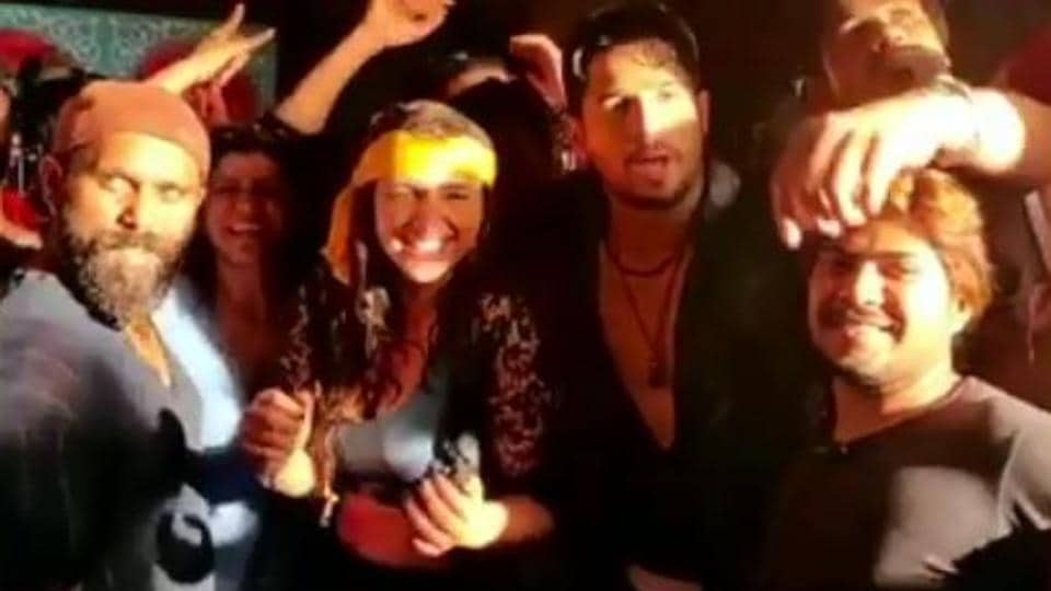 Sidharth Malhotra shared a special video after wrapping up shoot for Jabariya Jodi.