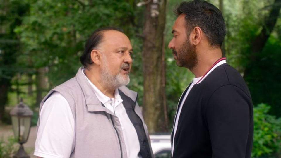 Alok Nath and Ajay Devgn in a still from De De Pyaar De trailer.