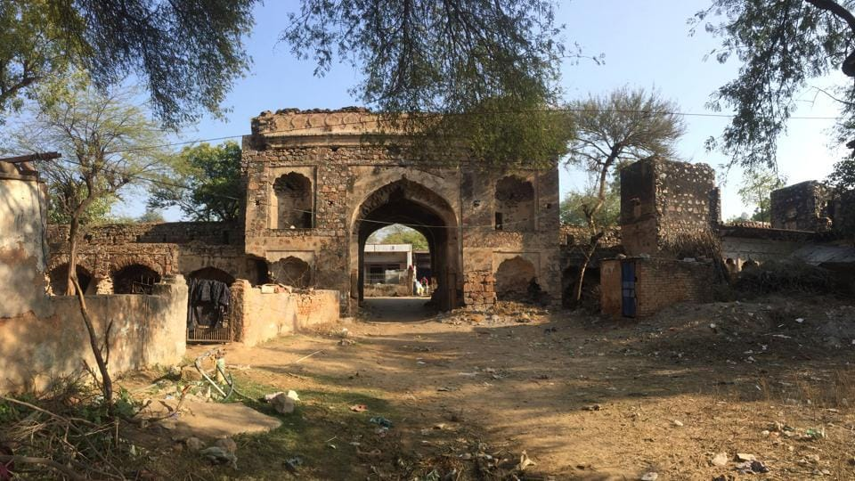 The 17-th century Sarai Lashkarabad dating to Aurangzeb's era in Tauro proclaims its antiquity through the late 17th century through an inscription on the gateway. The inscription — penned in classical Persian on a marble slate — mentions its year of construction as 1696 CE. Visitors here can find remains of Mughal era construction. (Parveen Kumar / HTPhoto)