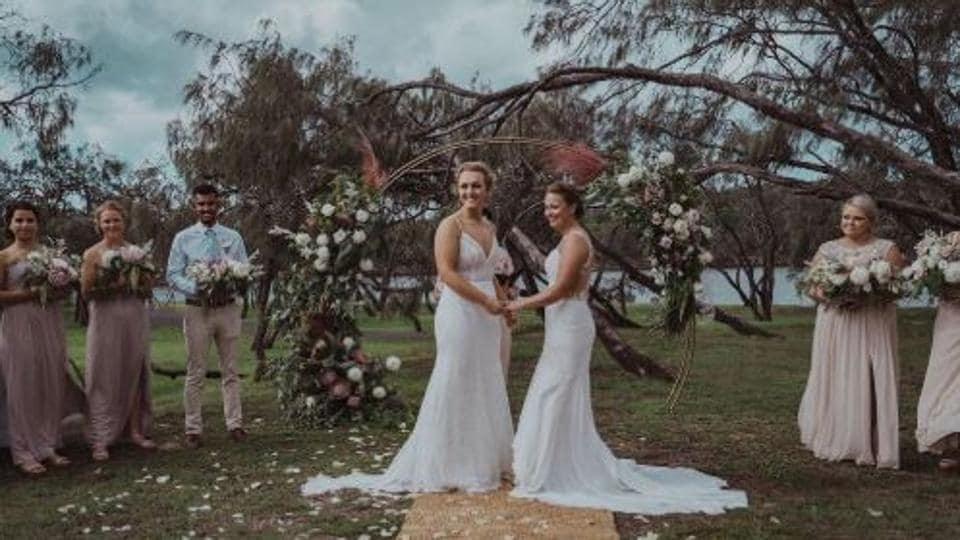 Women cricketers from Australia and New Zealand marry