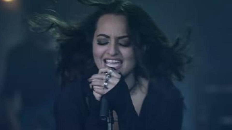Sonakshi Sinha should stop singing, says Jassi Gill
