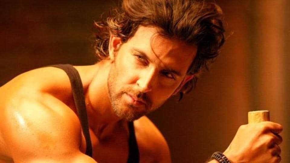 Hrithik Roshan,Hrithik Roshan workout video,Suzanne finds Hrithik hotter than 20 years ago