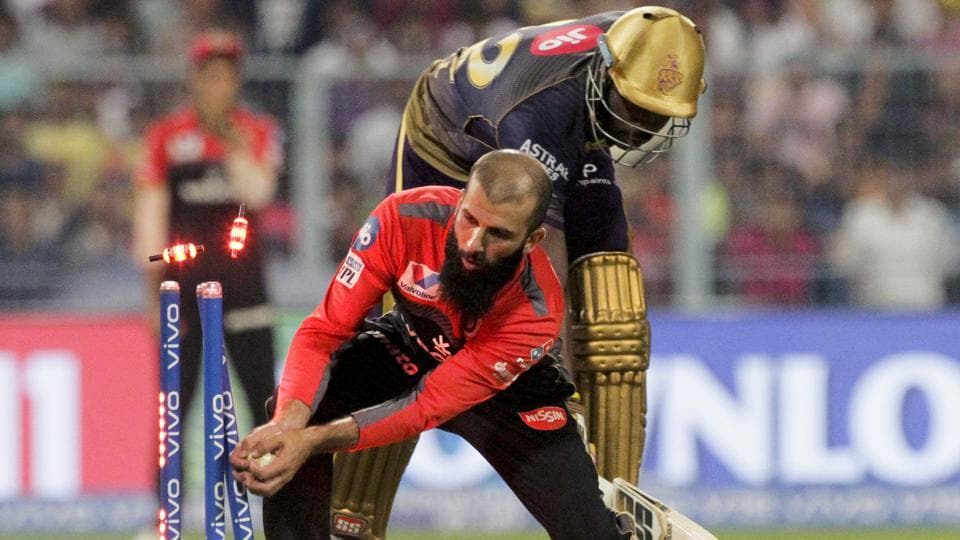 Royal Challengers Bangalore's bowler Moeen Ali makes a successful run-out. (AP)