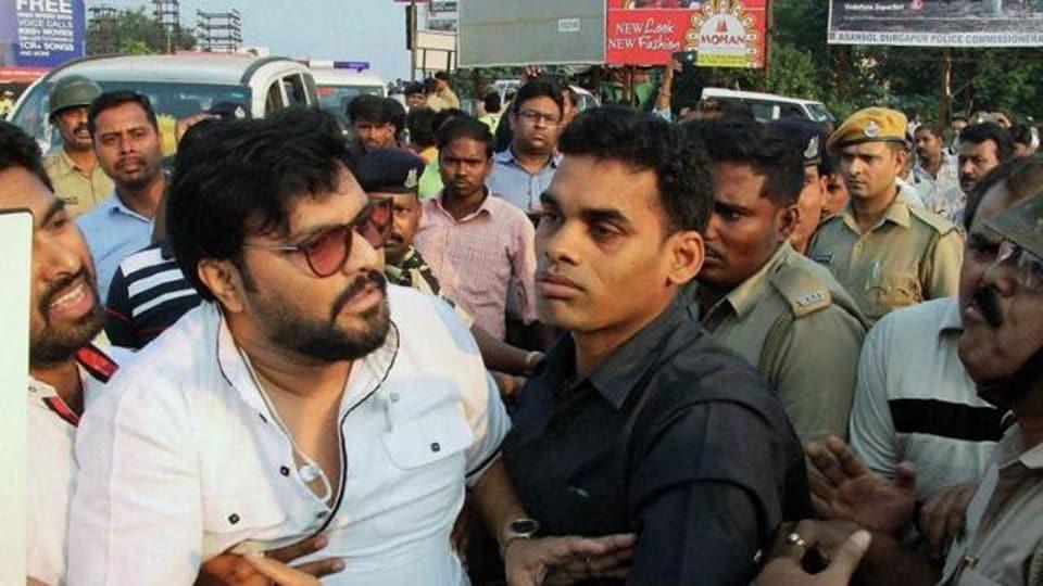 BJP leader Supriyo accuses Bengal police of molestation