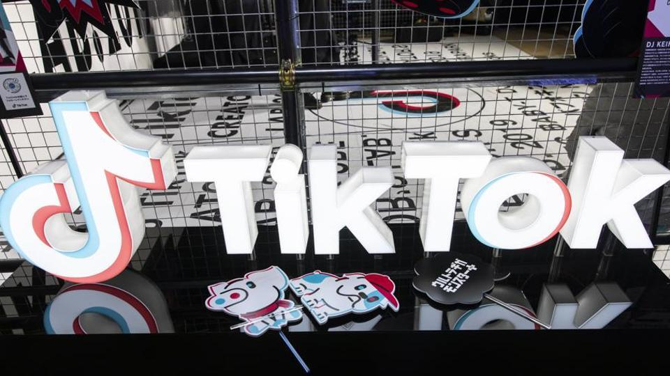 """The apex court had earlier refused to stay the Madras High Court order that directed the Centre to ban the """"Tiktok"""" app over concerns about access to pornographic content through it."""
