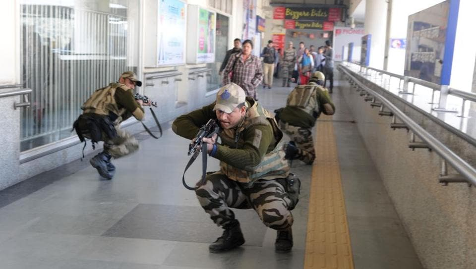 CISF,Delhi Metro,Paintball