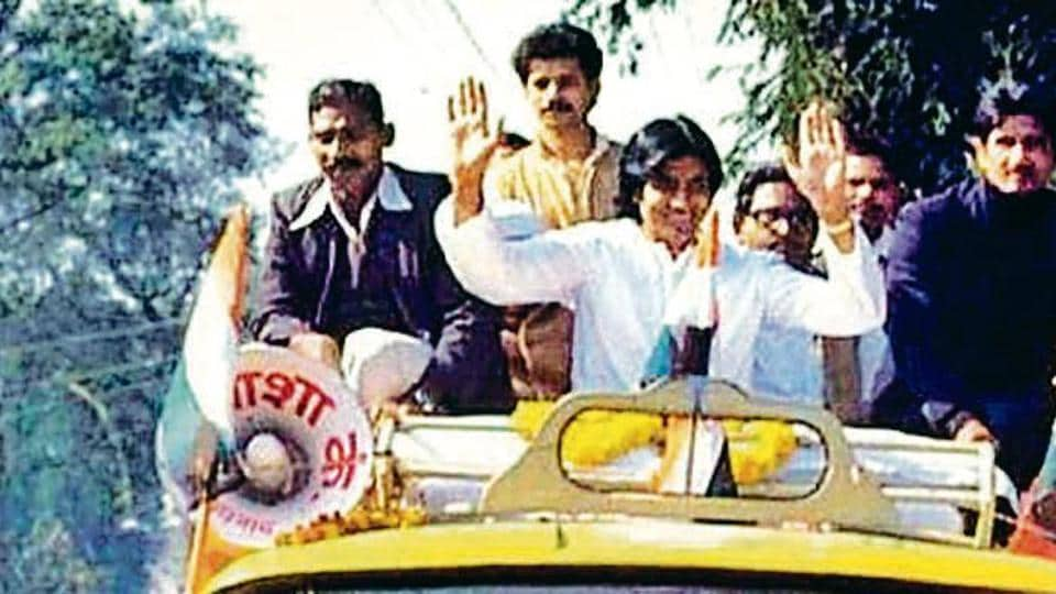 Amitabh Bachchan campaigning on Allahabad streets in 1984