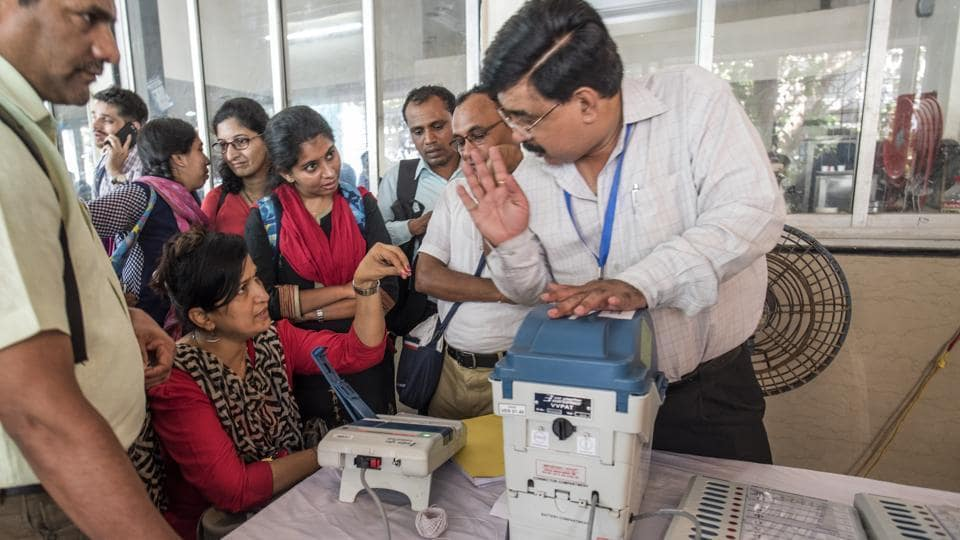 Mumbai, India - April 23, 2019: Administration officers demonstrates Electronic Voting Machine EVM machine training to poling officer during a training programme at Dinanath Mangeshkar Natyagriha, Vile Parle in Mumbai, India, on Tuesday, April 23, 2019. (Photo by Satish Bate/Hindustan Times)