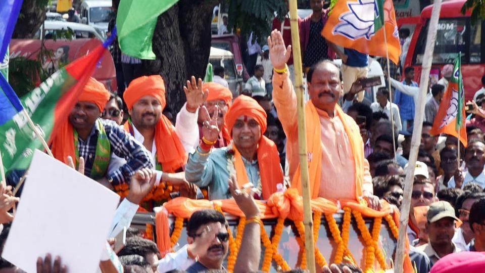 Jamshedpur candidate Bidyut becomes crorepati, Champai's wealth grows three times in five years