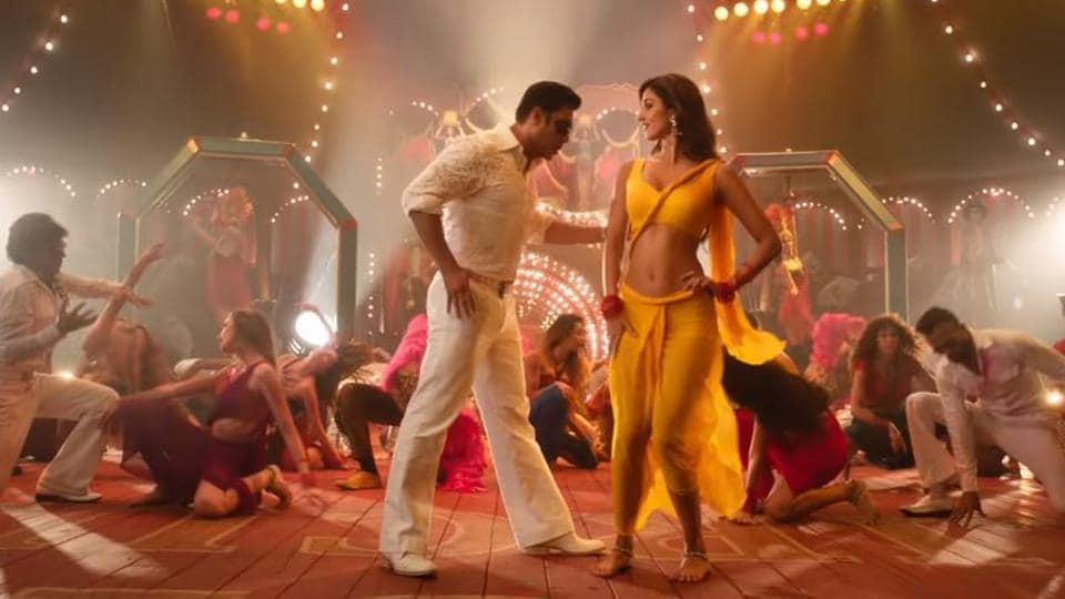 Salman Khan and Disha Patani in a still from Bharat song Slow Motion.