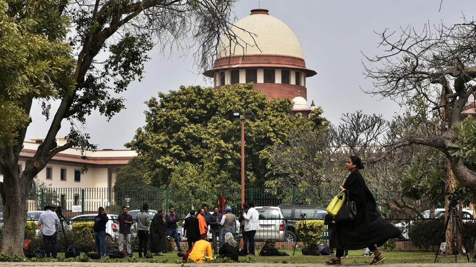 On Friday, the Supreme Court put on hold proceedings before the judicial commission set up by the Tamil Nadu government to probe AIADMK chief J Jayalalithaa's death. The order by a bench led by Chief Justice of India Ranjan Gogoi came on a petition filed by the Chennai-based Apollo hospital where the AIADMK matriarch had died in December 2016 after 75 days of treatment. (Biplov Bhuyan / HT File)