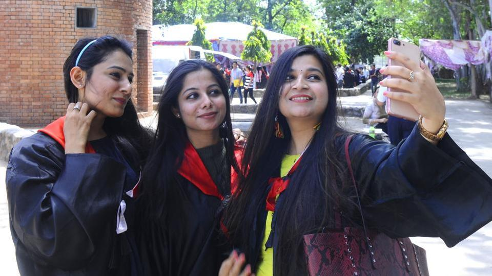 527 students will receive undergraduate and postgraduate degrees as well and 340 will be awarded merit certificates, medals and cash prizes in various categories.