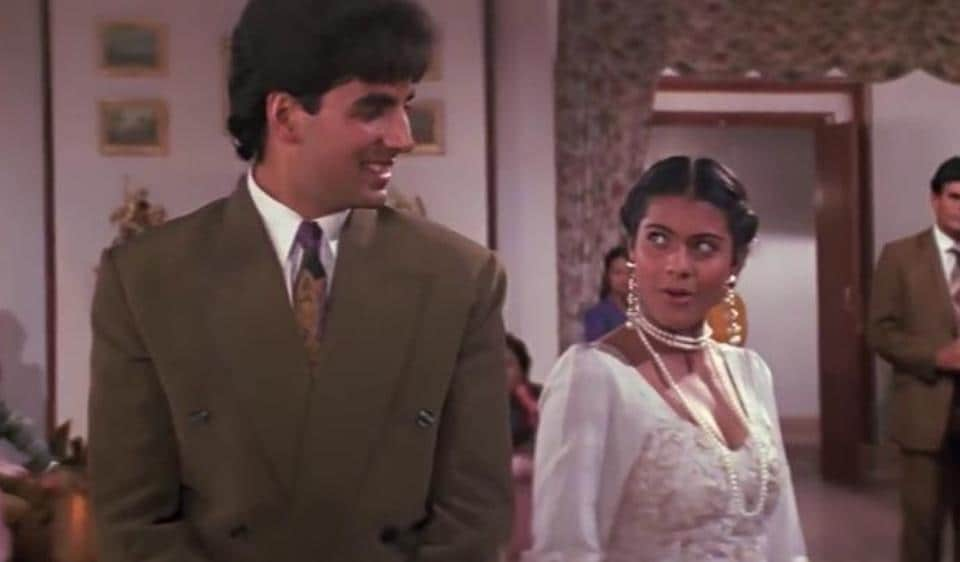 Kajol had a crush on Akshay Kumar and kept looking for him during a premiere.