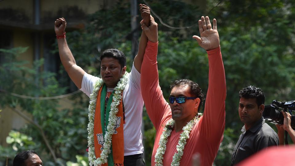 "Anupam Hazra, the outgoing Trinamool MP from Bolpur in Birbhum district, said at the road show that Rana was a ""personal friend"" and had promptly agreed to come to Kolkata."