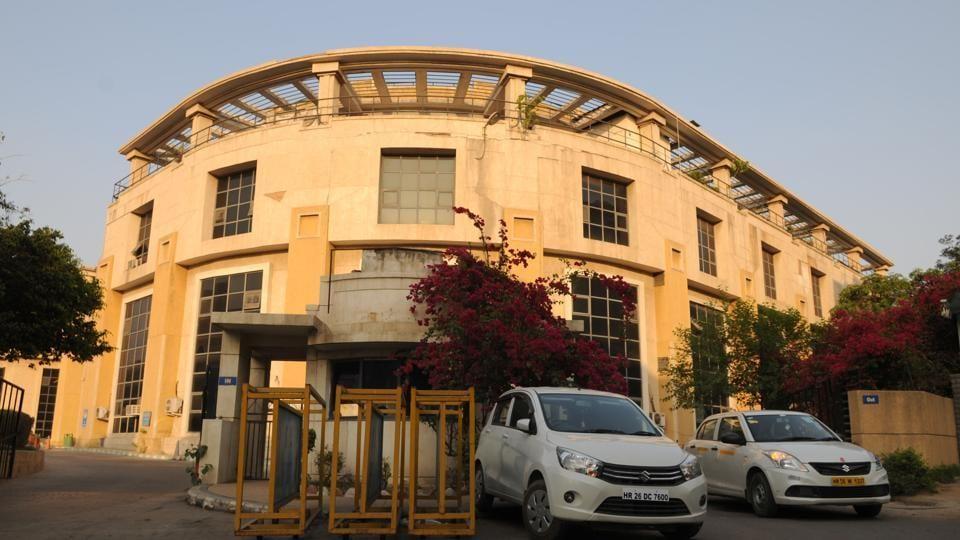 Municipal Corporation of Gurugram,violators,public property