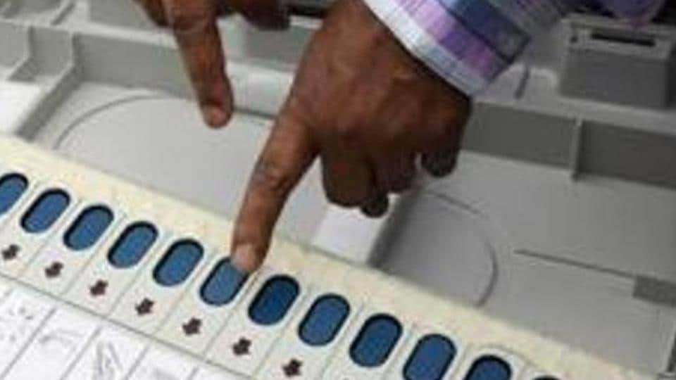 Voting was delayed at booth number 162 of Malad West in Mumbai after a glitch in EVM was detected.