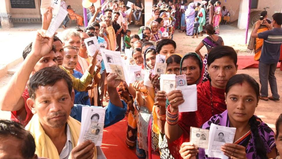 Glitches in EVMs and VVPATs were reported from over hundreds of booths in three constituencies, which delayed polling on an average of 45 minutes in the respective booths, election officials said.