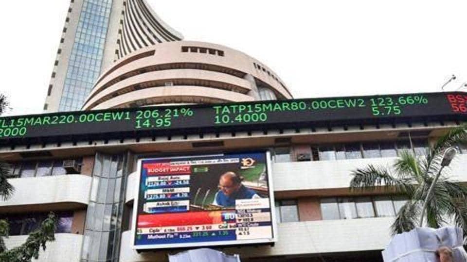 Sensex falls,Sensex,early trade