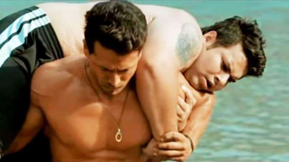 Student of the Year 2: Tiger Shroff lifts man on shoulders, takes kabaddi seriously in new training montage. Watch