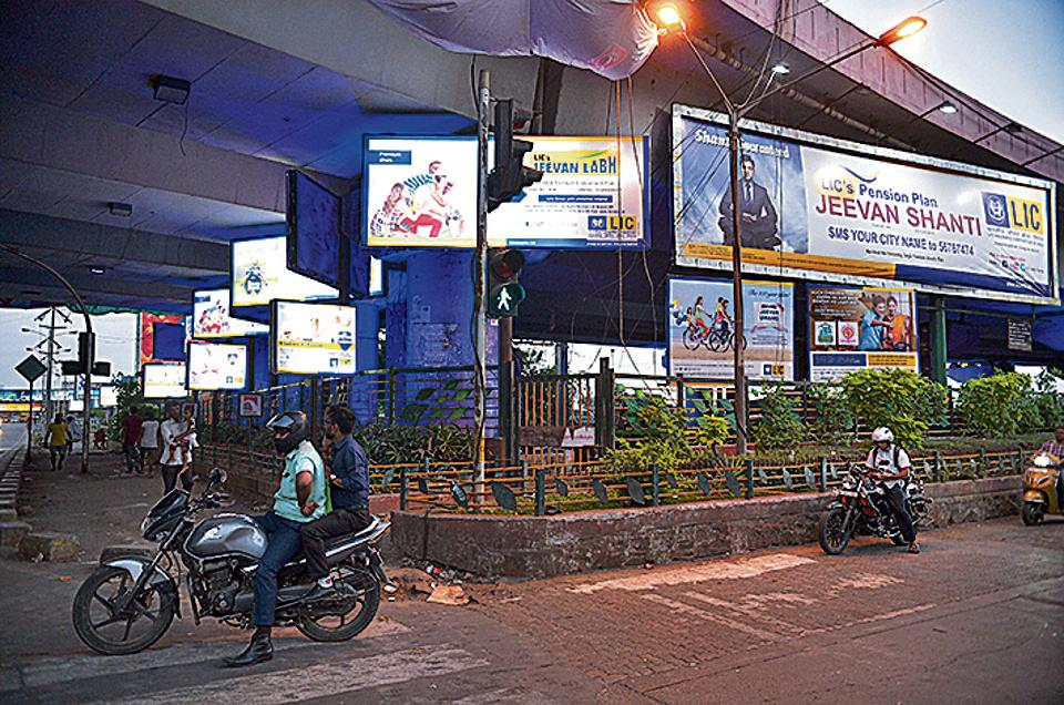 The hoardings block traffic signs and signals and could be a safety hazard for motorists, said police.
