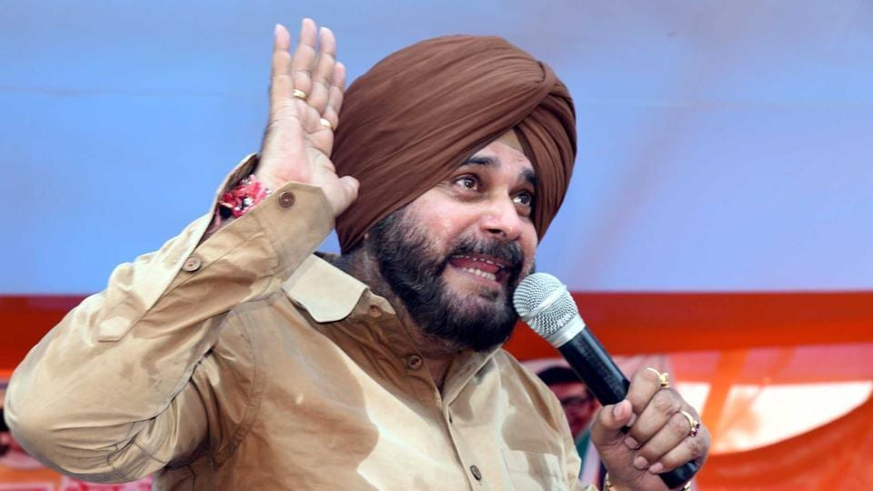 Congress leader  Navjot Singh Siddhu addressing an election meeting at Adityapur in Jamshedpur April 30,2019-