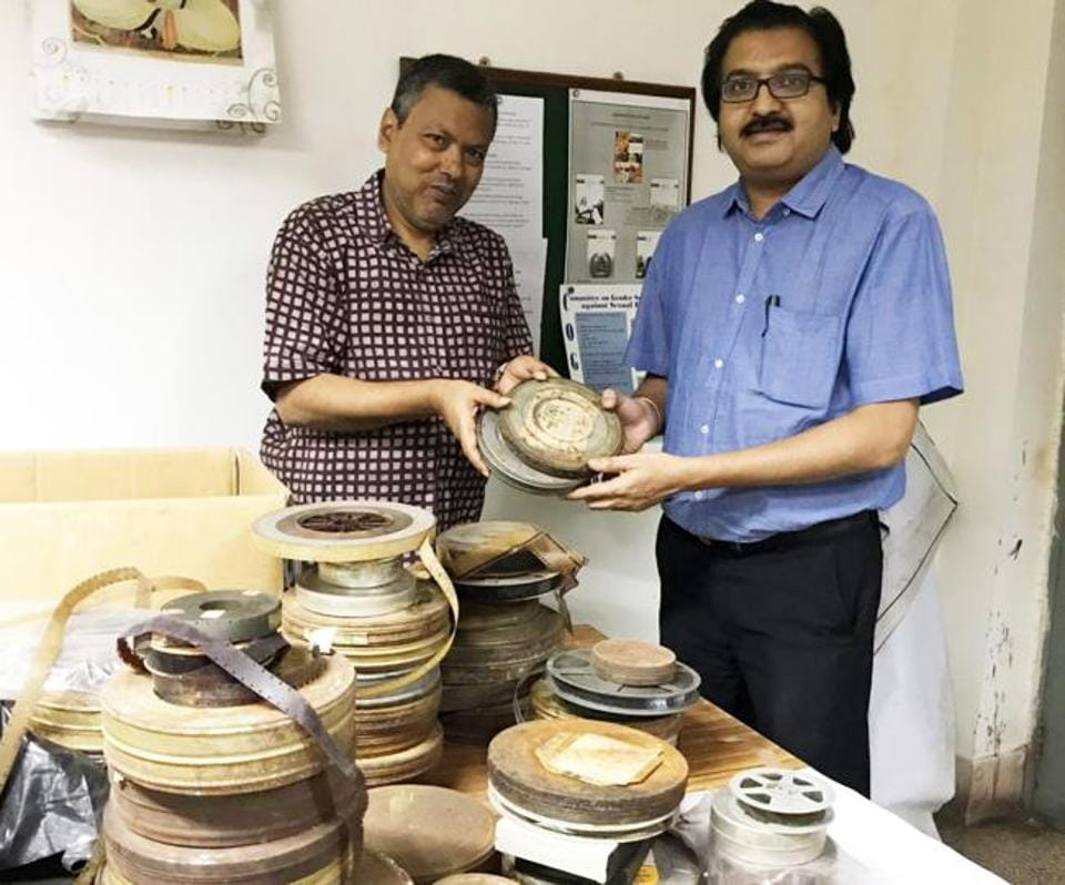 Abhijit Bhattacharya (left), documentation officer, Centre for Studies in Social Sciences, Kolkata and Prakash Magdum, director, NFAI, with collection.