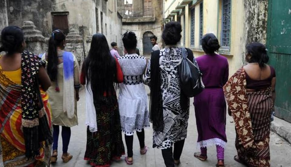n compliance with the court's order, the police and the district administration claimed that evacuation notices had been served to the owners of the dwellings where the sex workers were staying.