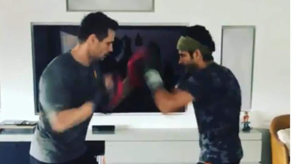 Farhan Akhtar will play a boxer in his next film, Toofan.