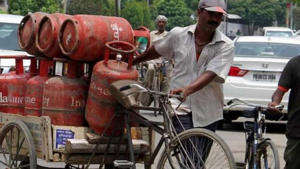 Sudhanshu Singh of Vaishali Enterprises, Danapur said ten employees were deputed to paste stickers on LPG cylinders for delivery to about 20,000 customers in both urban and rural areas.