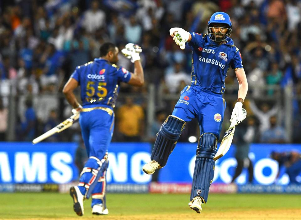 Hardik Pandya and Kieron Pollard wrapped up the Super Over in three deliveries and helped MI book a place in the playoffs. (AFP)