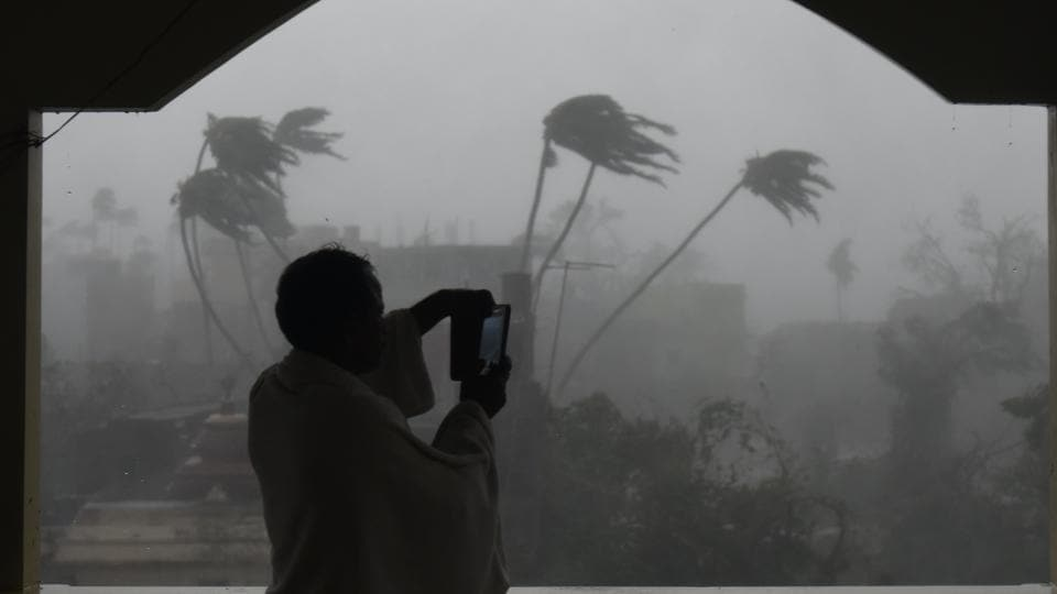 The wind speed will be between 90-110/115 km per hour when it enters West Bengal towards Friday evening, Bandyopadhyay said.