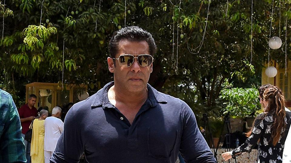 Salman Khan arrives to cast his vote at a polling station in Mumbai on April 29, 2019. - Voting began for the fourth phase of India's general parliamentary elections as Indians exercise their franchise in the country's marathon election which started on April 11 and runs through to May 19 with the results to be declared on May 23.