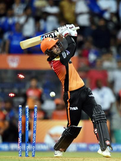 Manish Pandey and Mohammad Nabi kept SRH in the chase with a 49-run partnership. (PTI)