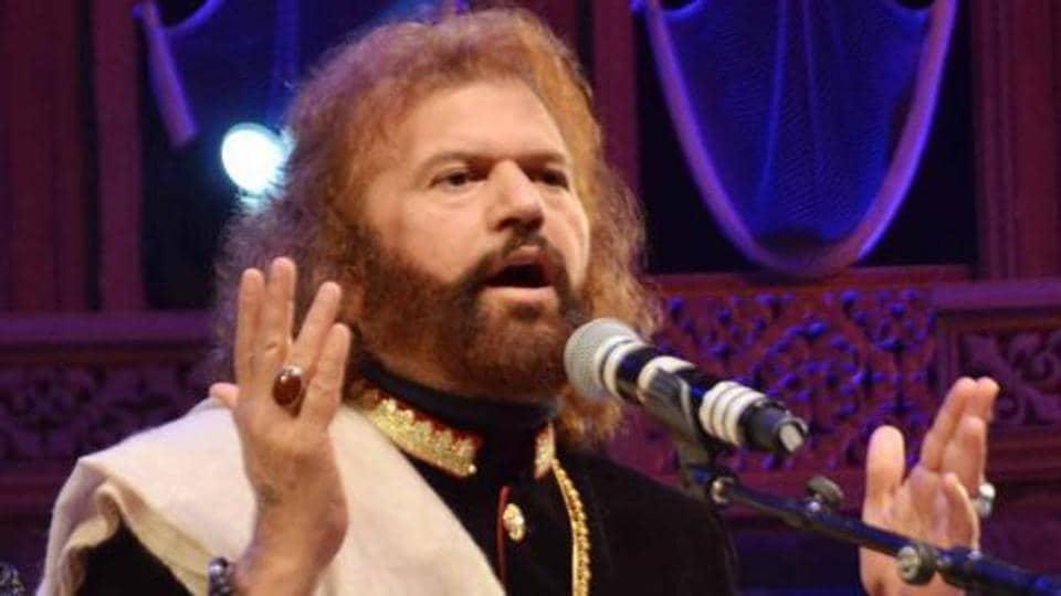 Hans Raj Hans denies AAP's conversion claim, plans legal action