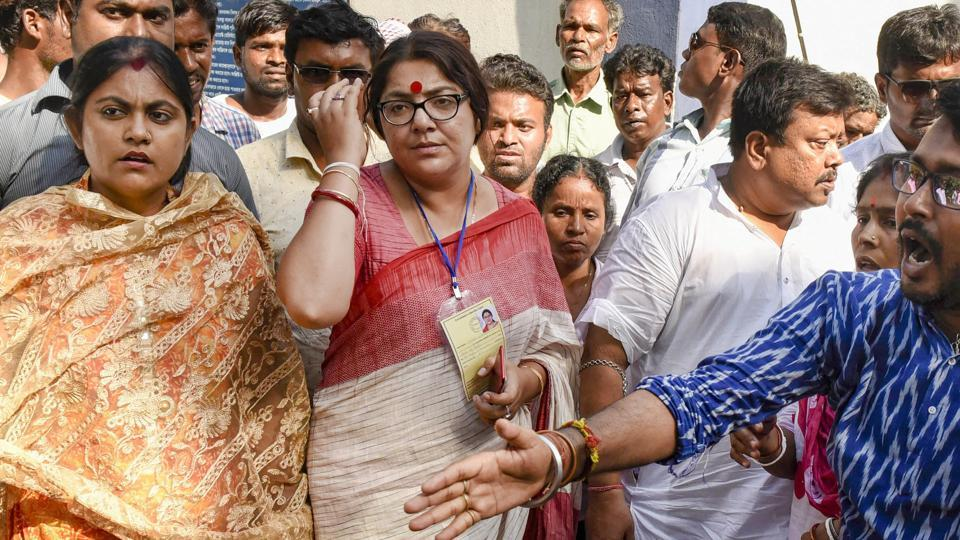 BJP candidate from Hoogly seat Locket Chatterjee leaves the Dhaniakhali Police Station after lodging a complaint, in Hooghly, Monday, May 6, 2019.