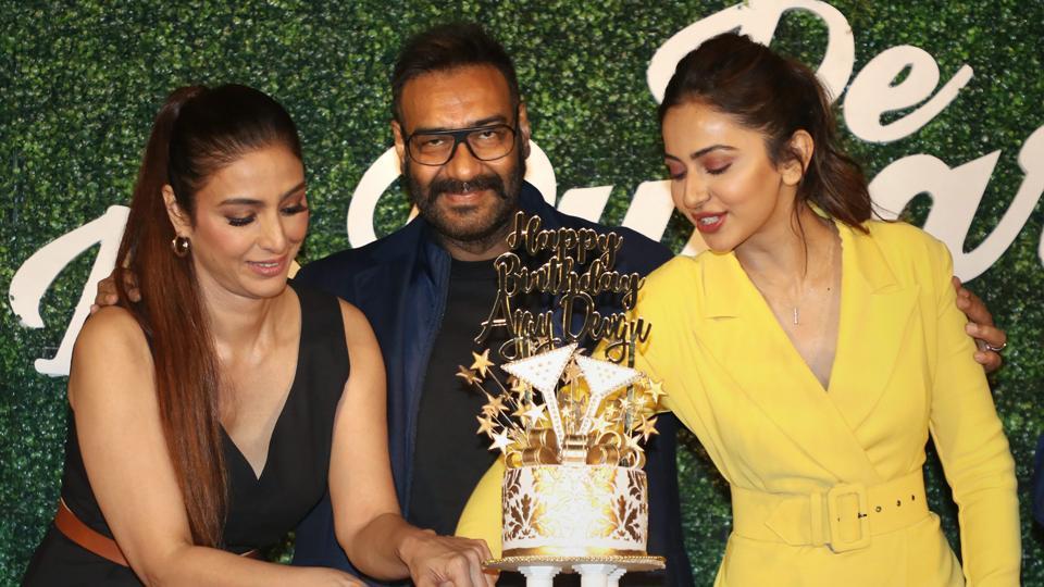 Tabu, Ajay Devgn and Rakul Preet Singh at the trailer launch of their upcoming romantic comedy film De De Pyaar De inMumbai.