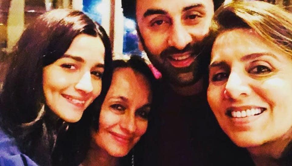 Ranbir Kapoor-Alia Bhatt papped at airport