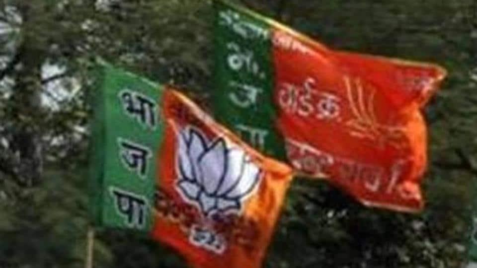 'Bribe' to Leh scribes: FIR against BJPleaders