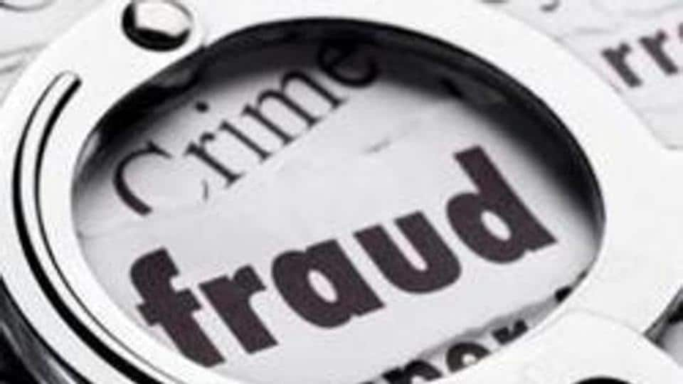 A woman in the city was allegedly duped of ₹18,000 by a man she had met on a social media platform,  the police said on Tuesday.