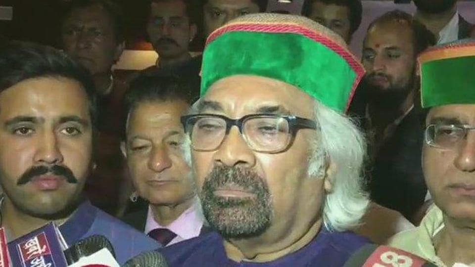 "Earlier,  the Congress distanced itself from Pitroda's comment on the 1984 riots that has set up a huge controversy, underlining that the party supports the ""quest for justice"" for the victims."